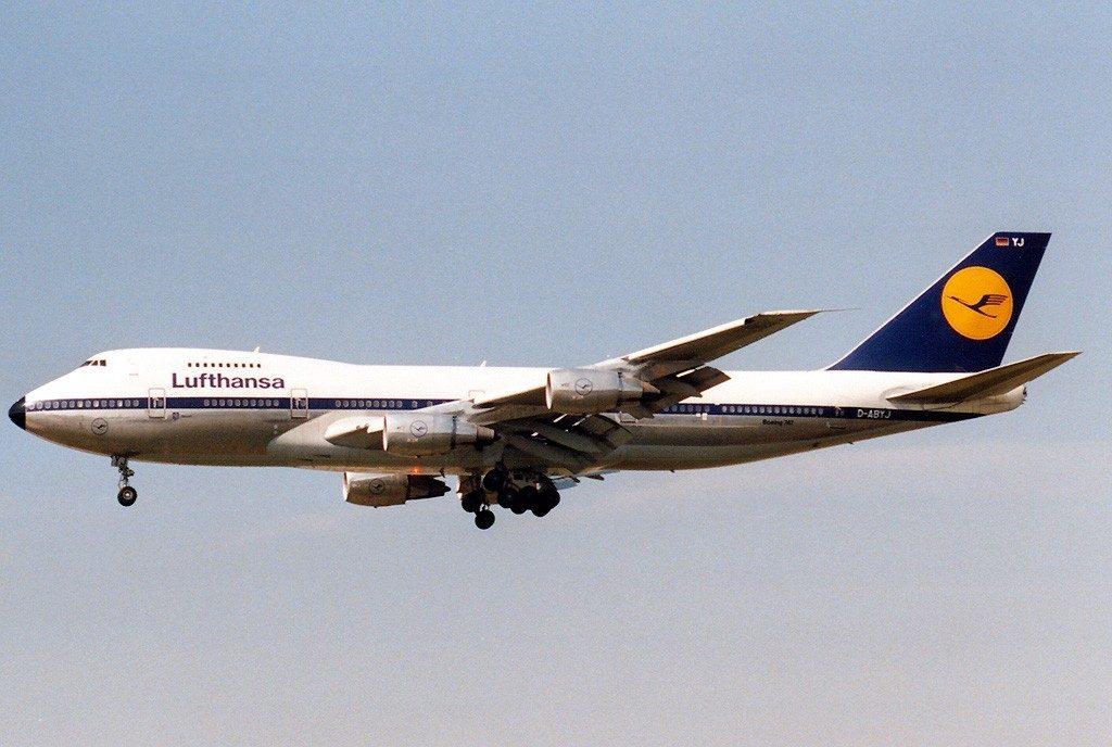 boeing_747-230bm_lufthansa_an0201737