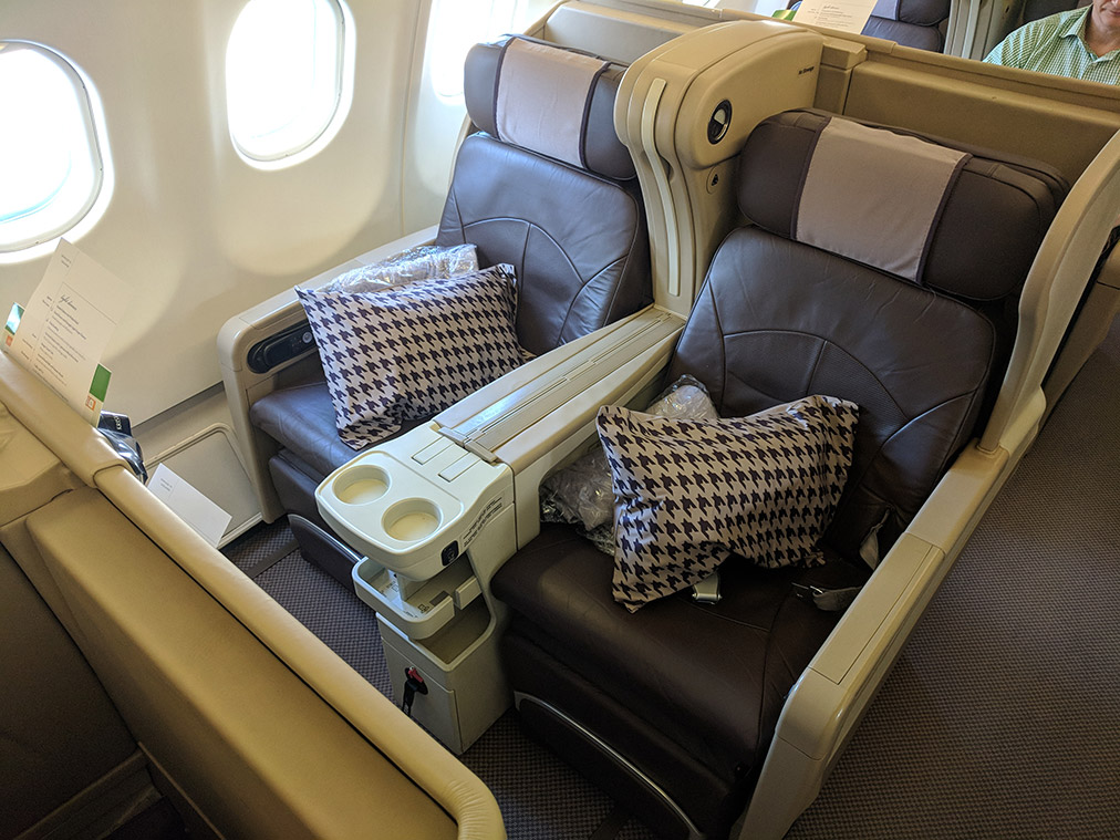 Singapore Airlines Sq948 A333 Business Class Flight Review